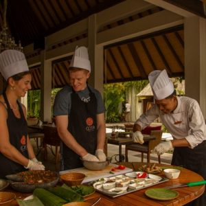 tourists enjoy cooking class in ubud