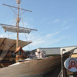 pirate ship in melaka alive park