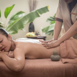 tourist enjoy massage service in siem reap