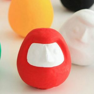 plain daruma dolls of assorted colors