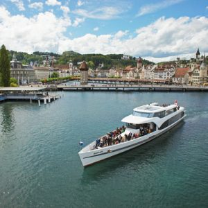panorama yacht saphir touring lake lucerne