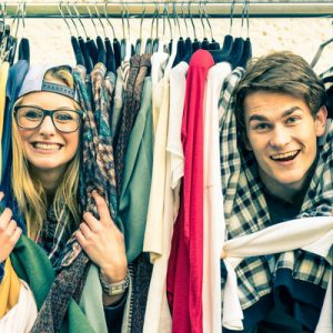 tourists enjoy shopping in melbourne