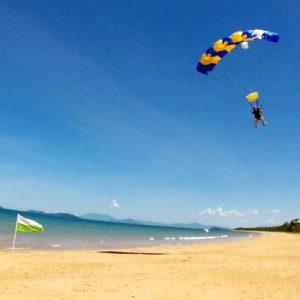 Parachute landing at Bribie Island