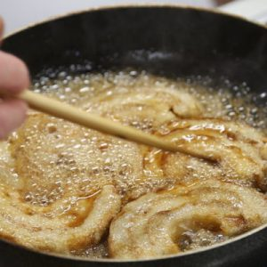 frying pan with food during the cooking class in niigata