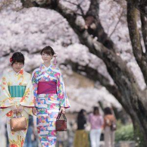 women in kimono in inuyama