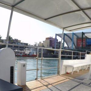 deck of glass bottom boat at Xiaoliuqiu