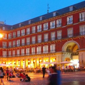 guided walking tour madrid