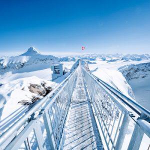 glacier 3000 cable car ascending