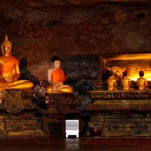 dragon cave temple thailand