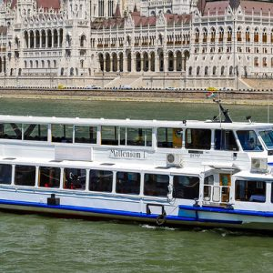 drinks and cruise danube river budapest