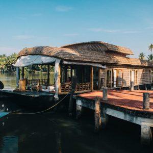 Houseboat dock