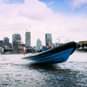 tour group in thamesjet speedboat ride