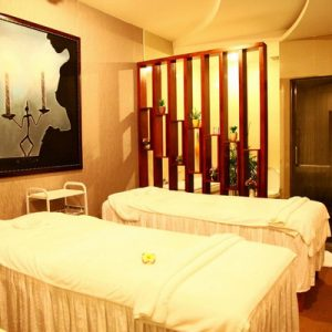 massage room in samrosa spa in nha trang