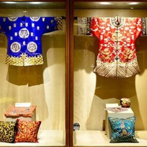 clothes on display at Chengdu Shu Brocade and Embroidery Museum for chengdu private day tour