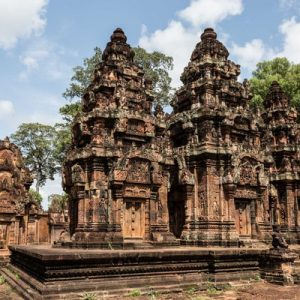 banteay srei private tour by tuk tuk siem reap cambodia