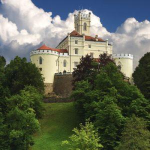 a view of Trakošćan Castle