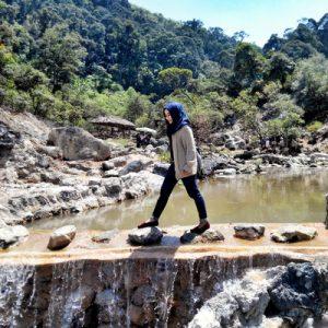 tourist explore kawah rengganis