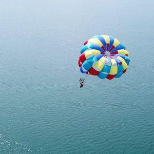 parasailing in coron