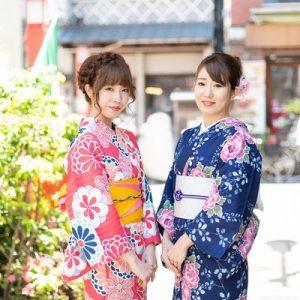 tourists wear a kimono in osaka
