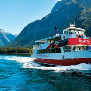 milford sound cruise new zealand