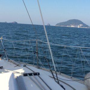 winter sailboat cruising fukuoka, nokonoshima island visit, nokonoshima island cruising, nokonoshima island oyster lunch, nokonoshima island hotpot lunch, nokonoshima island cruising fukuoka
