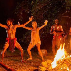 tjapukai aboriginal cultural park night fire