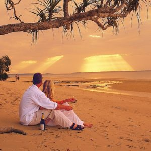 romantic getaway fraser island