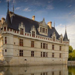 a view of the Château d'Azay-le-Rideau and its moat