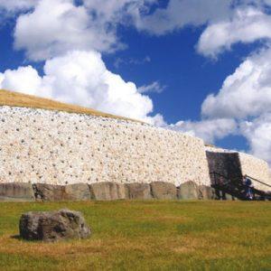 都柏林纽格莱奇墓旅行,都柏林塔拉山旅行,博因河之旅,塔拉山和纽格莱奇墓,塔拉山历史,纽格莱奇墓