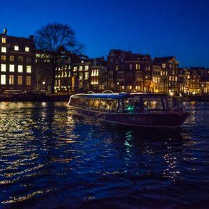 阿姆斯特丹运河夜间游船,阿姆斯特丹运河游船船票,阿姆斯特丹运河游览蓝色船,阿姆斯特丹运河游船体验