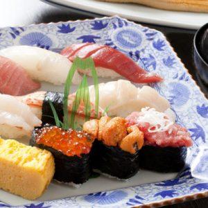 八千代精品现做寿司 - 日本东京新宿荒木町店