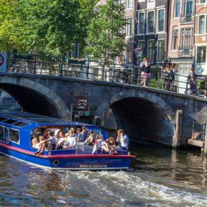 阿姆斯特丹运河游船,阿姆斯特丹运河游船船票,阿姆斯特丹运河游船蓝色船,阿姆斯特丹游船之旅