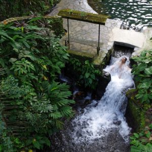 马尼拉隐秘谷温泉私人一日游(Vina Tours提供)