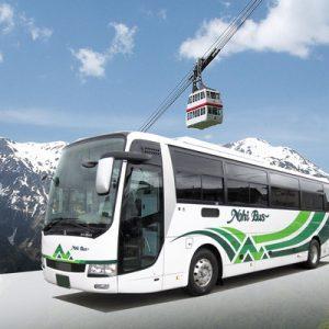 日本阿尔卑斯山和缆车的风景
